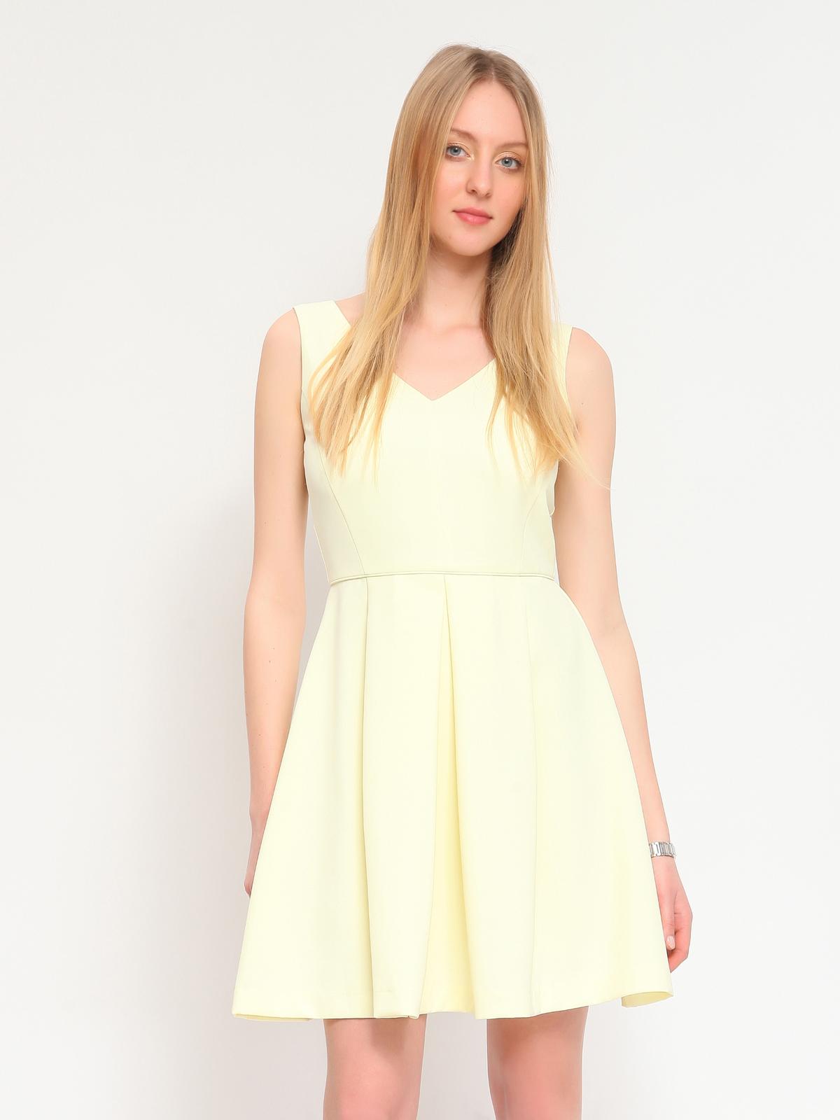 Girly φόρεμα με λαιμό V και φερμουάρ στο πίσω μέρος